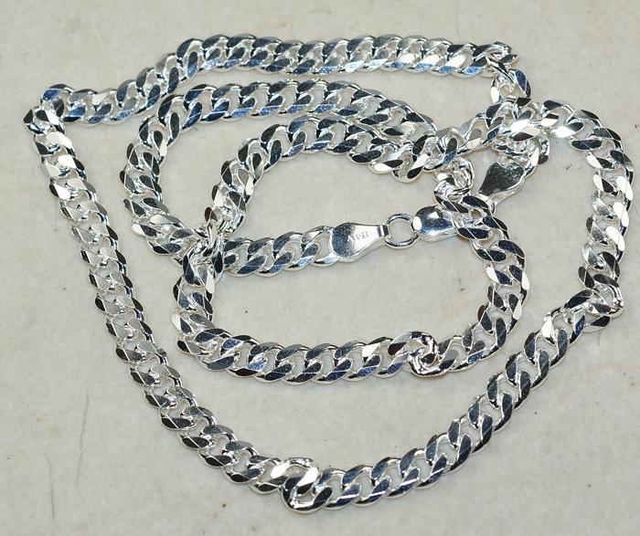 Bir gümüş zinciri hızlı ve verimli bir şekilde nasıl temizleyebilirim