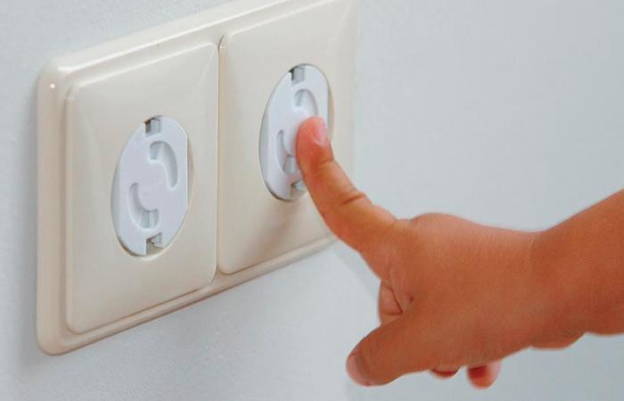 ... осуществляется установка штепсельных розеток и выключателей снаружи  дома, и необходимо защитить их от осадков, загрязнений. Они обычно имеют  крышку, ... a7e6e772009